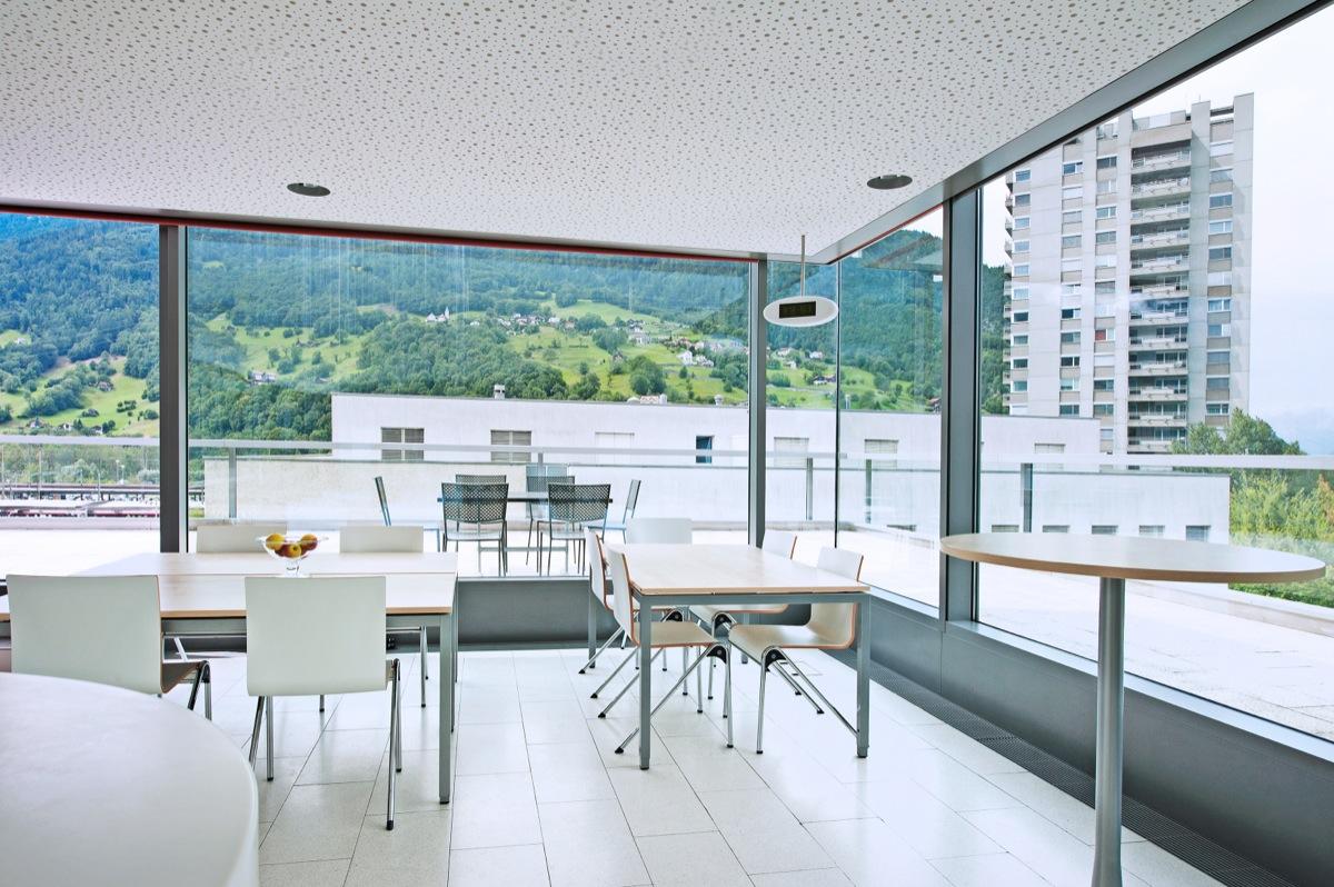 zur miete attraktive gewerbefl che in landquart im rheintal in graub nden deutsch. Black Bedroom Furniture Sets. Home Design Ideas